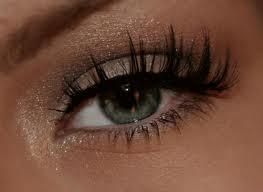 Našminkane oči,foto:forum srbija