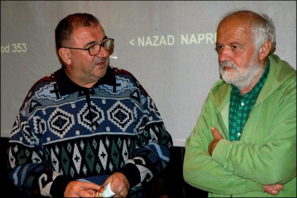 Др. Душан Петровиће, највећи фан СликаРА вЛАДЕ уботића отвара излозбу у крагујевачком СКЦ -у 2007. године.
