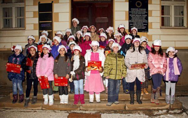 Nastup hora Kulturnog centra Raspevani cvetici, 31. decembar 2012