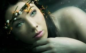 women-green-eyes-rose-lips-faces-tiaras-rendering-black-hair_preview_1dc5