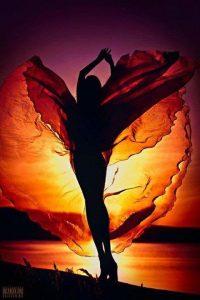 parfem, leptir, devojka, zalazak Sunca
