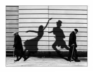Figure-2-Old-Woman-Old-Man-Dancing-Shadows