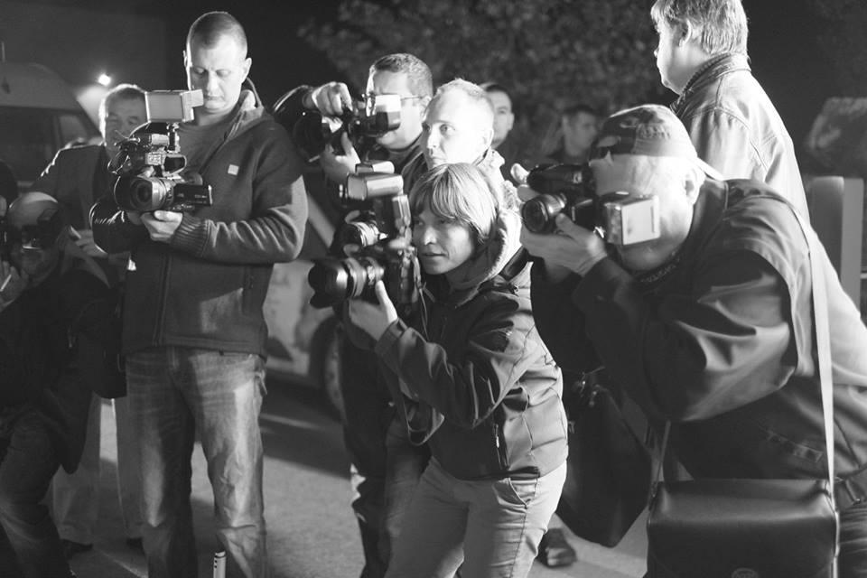 fotoreporteri-ispred-crvenog-tepiha