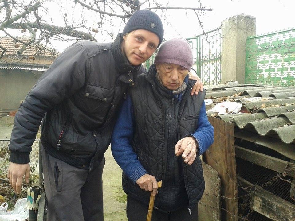Novinar Marko Spirić sa deda Čedom iz Vranja