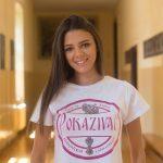 Milica Simić utkala šarm u majice našeg portala – još jedna lepotica postala zaštitno lice Pokazivača